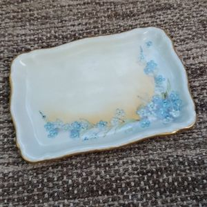 Limoges   Porcelain trinket and jewelry dish
